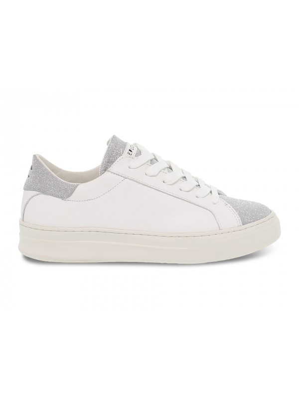 Sneakers Crime London SONIK LOW CUT in pelle e glitter bianco e argento