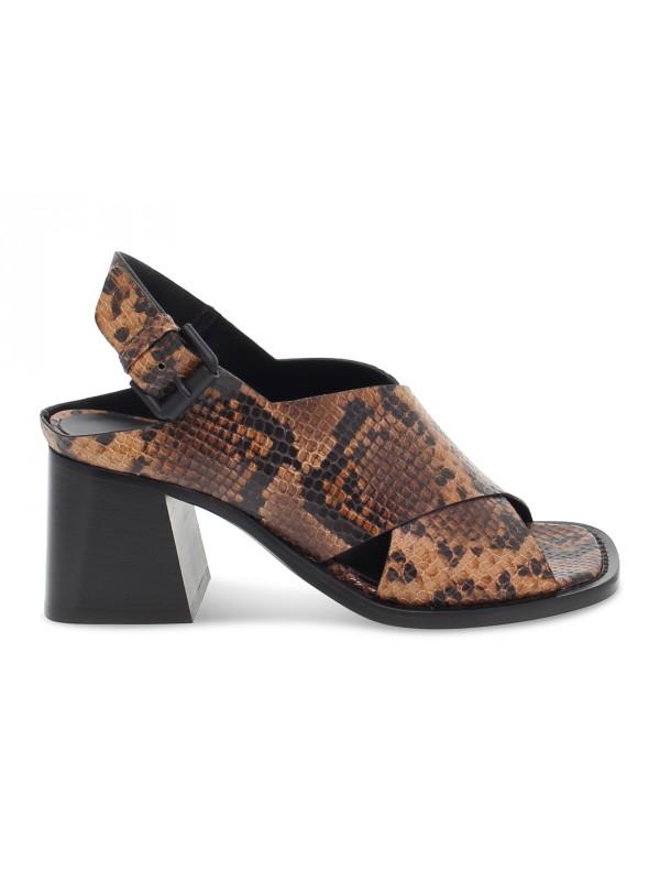 Sandalo con tacco Vic Matie in pitone marrone e snake