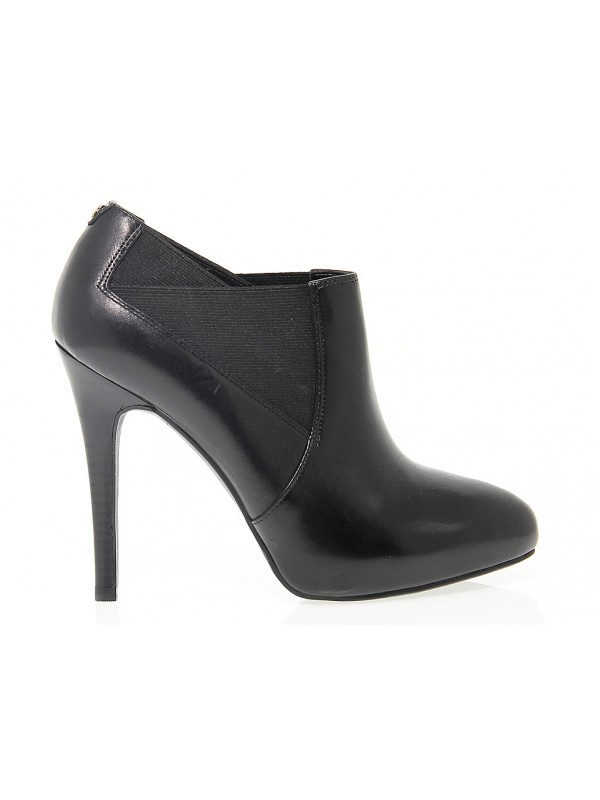 the latest b0399 f7ca4 Ankle boot Guess SINDY in leather
