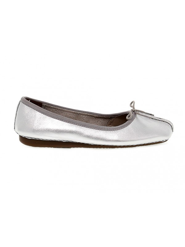 Flat shoe Clarks FRECKLE ICE in silver leather