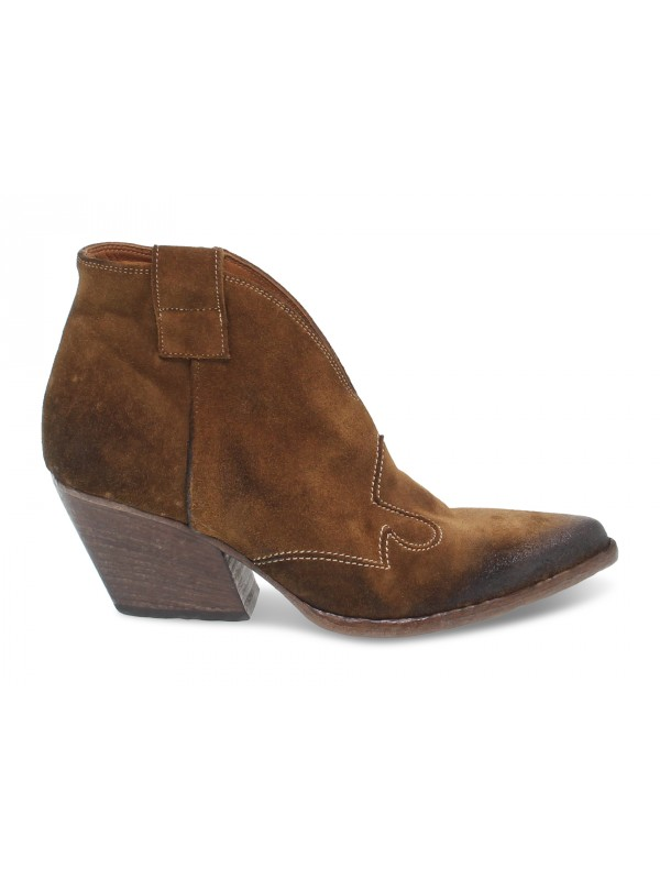 Ankle boot Elena Iachi in hazelnut suede leather