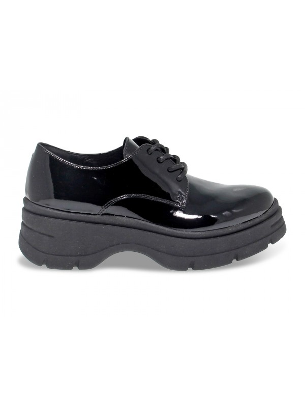 Flat shoe Janet Sport in black paint