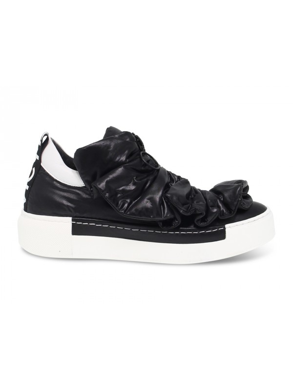 Sneakers Vic Matie in black leather