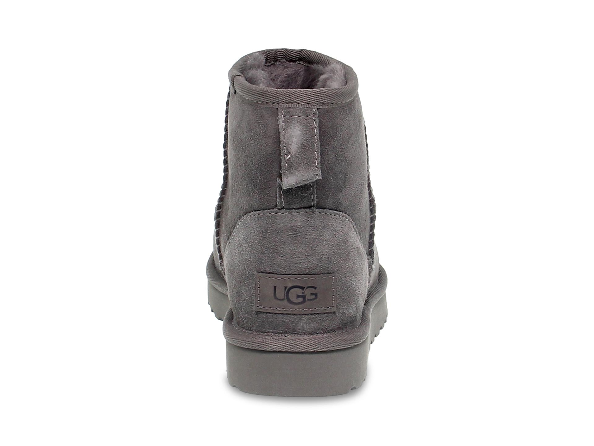 Tronchetto UGG Australia 6222 G in camoscio grigio Scarpe