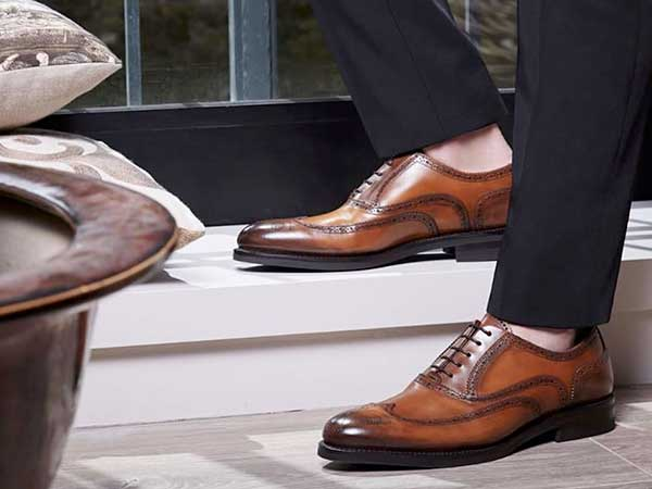 Banner Men Shoes IT